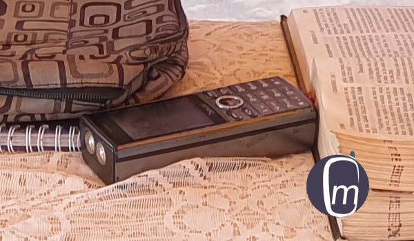 thick feature phone with longest battery life