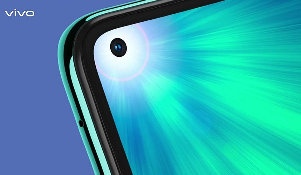 vivo Z1 Pro selfie camera hole