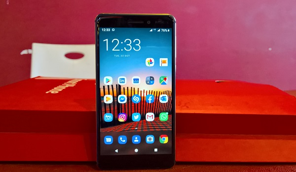 nokia 6.1 review on mobilityarena standing
