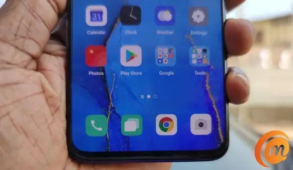 oppo Reno3 pro homescreen in hand