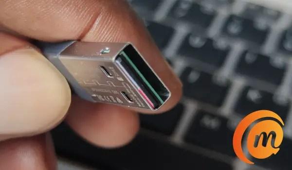 iXpand Mini flash drive USB-A connector