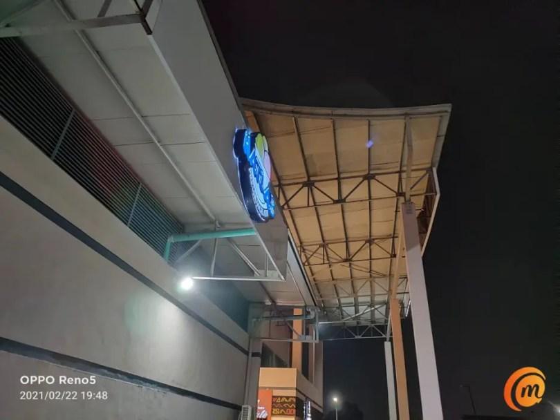oppo Reno5 main camera night photo outdoors