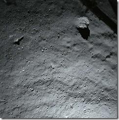 philae-lander-130-ft-above-comet