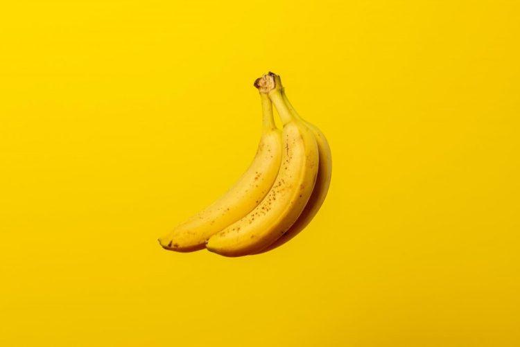 kolor żółty logo biznes marketing