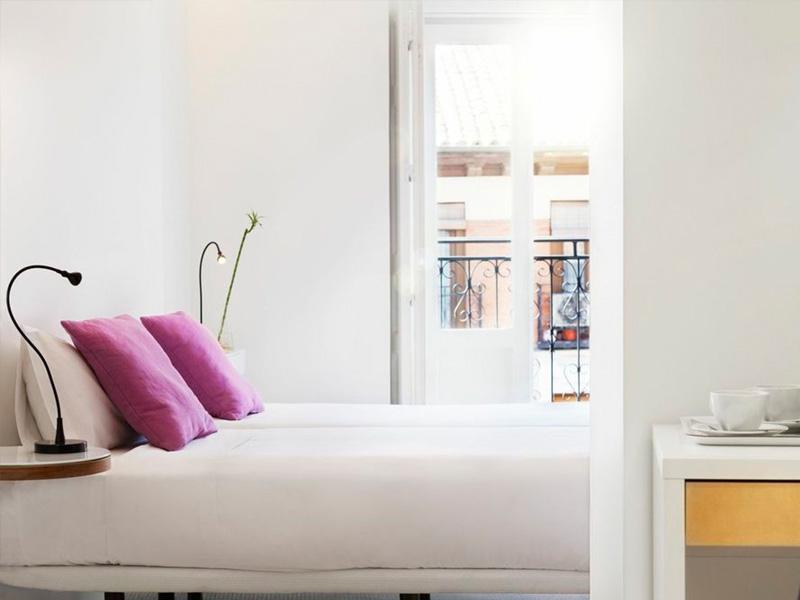 Pintar habitacion pequea perfect armario esquinero para - Pintar una habitacion pequena ...