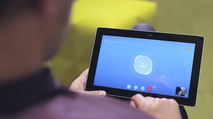 Grupowe wideokonferencje przez Skype'a