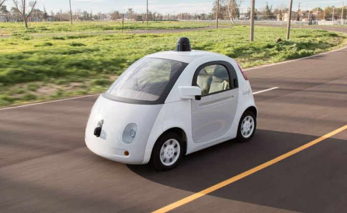 Samojeżdżący samochód Google wyjedzie na ulice