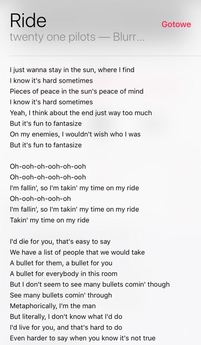Słowa pisoenki w programie Apple Muzyka pod iOS 10