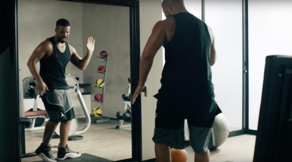 Drake śpiewa piosenkę Taylor Swift w nowej reklamie Apple Music