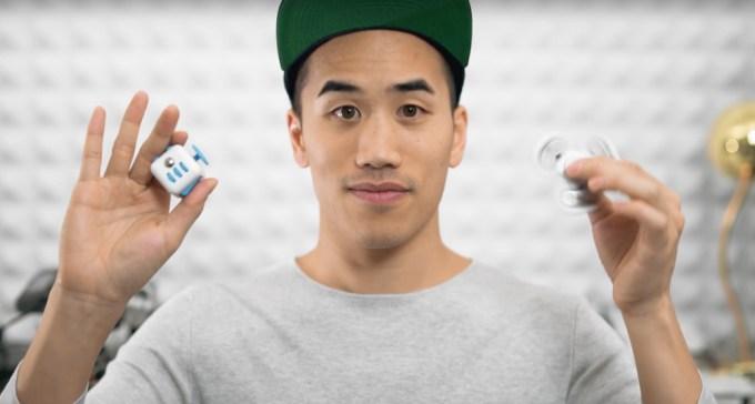 Andrew Huang - Fidget Spinner & Fidget Cube techno music