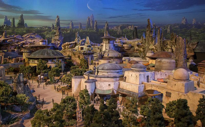 Star Wars Land (makieta) via Disney