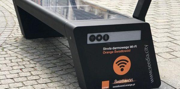 Ławki z darmowym Wi-Fi od Orange w Zielonej Górze