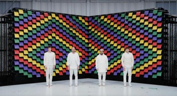 Drukarki robią za scenografię w klipie zespołu OK Go