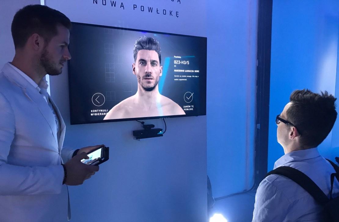 Wybór nowej powłoki w pawilonie Altered Carbon powered by Netflix w Warszawie