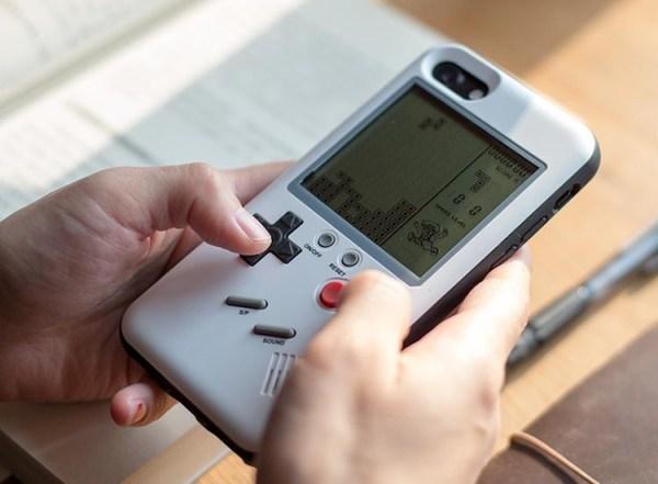 Etui Wanle na iPhone'a udające Game Boya