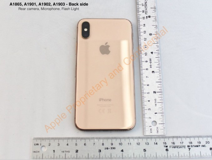 złoty iPhone X (Blush Gold) foto FCC