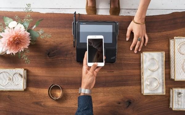 Boom w płatnościach mobilnych: już wkrótce konsumenci przestaną sięgać po portfel