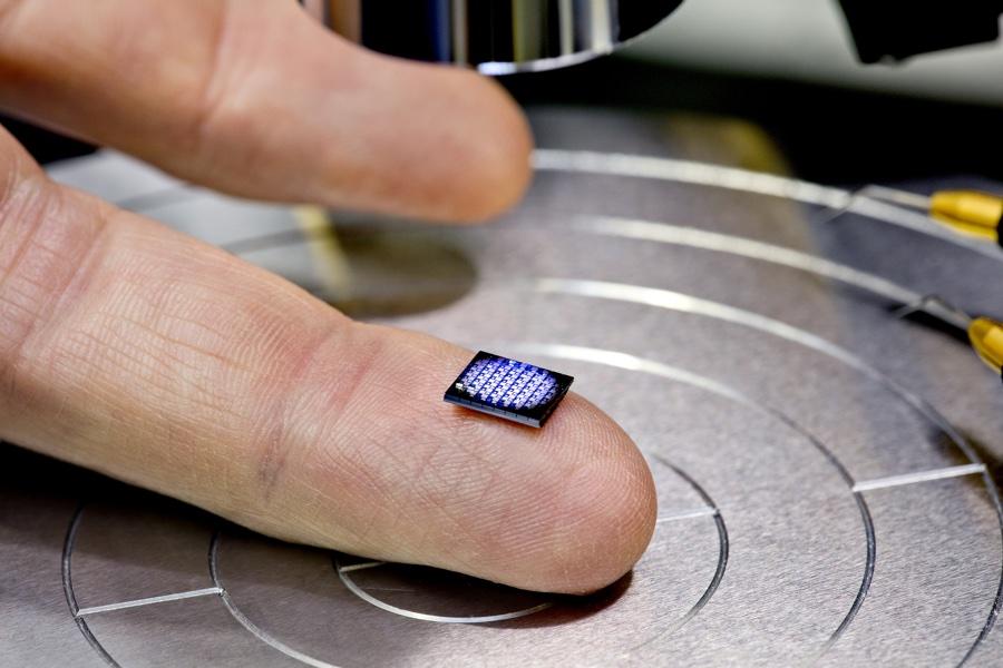 IBM - najmniejszy komputer świata