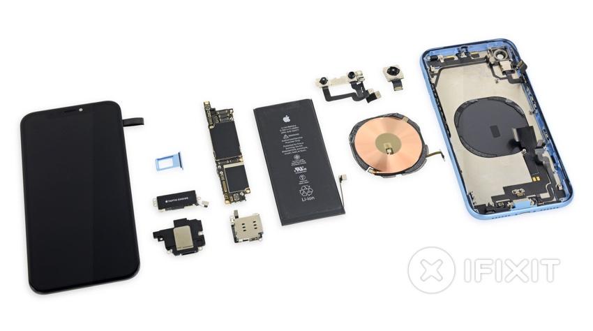 Części iPhone'a XR (fot. iFixit)