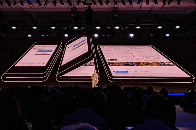 Prototyp smartfona Samsunga z elastycznym ekranem