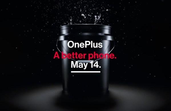 OnePlus 7 ze zwiększoną wodoopornością mierzoną w wiadrze!