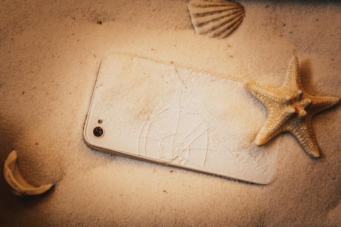 Uszkodzenia smartfonów po wakacjach
