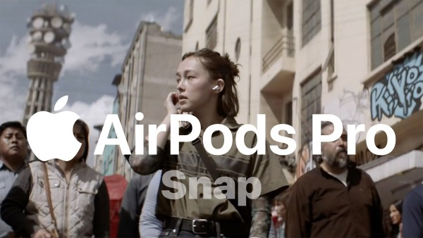 """Spot promujący słuchawki AirPods Pro pt. """"Snap"""""""