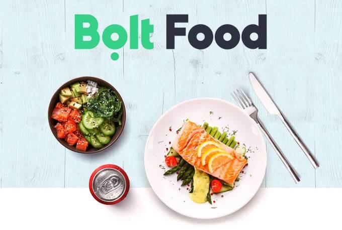 Bolt Food - stół z jedzeniem na talerzach