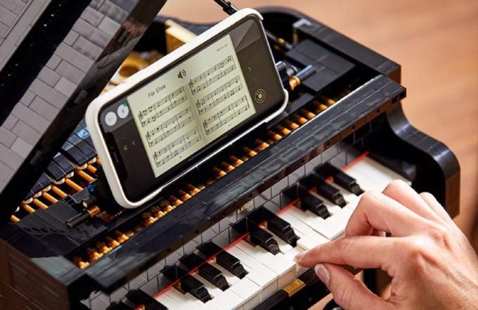 Fortepian z LEGO gra w połączeniu z aplikacja mobilną