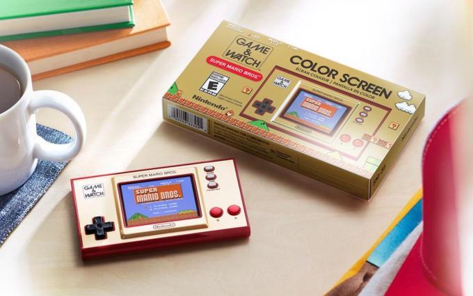 Minikonsola Super Mario Bros. Game & Watch z 2020 roku z okazji 35-lecia