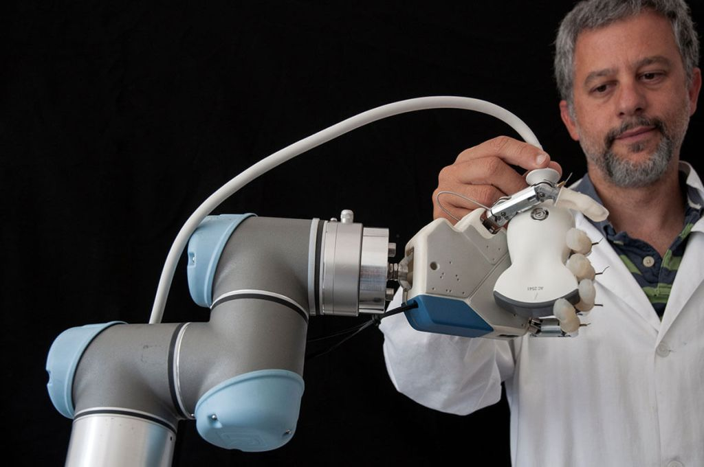 Automatyzacja robotów Univeral Robot (UR10e)