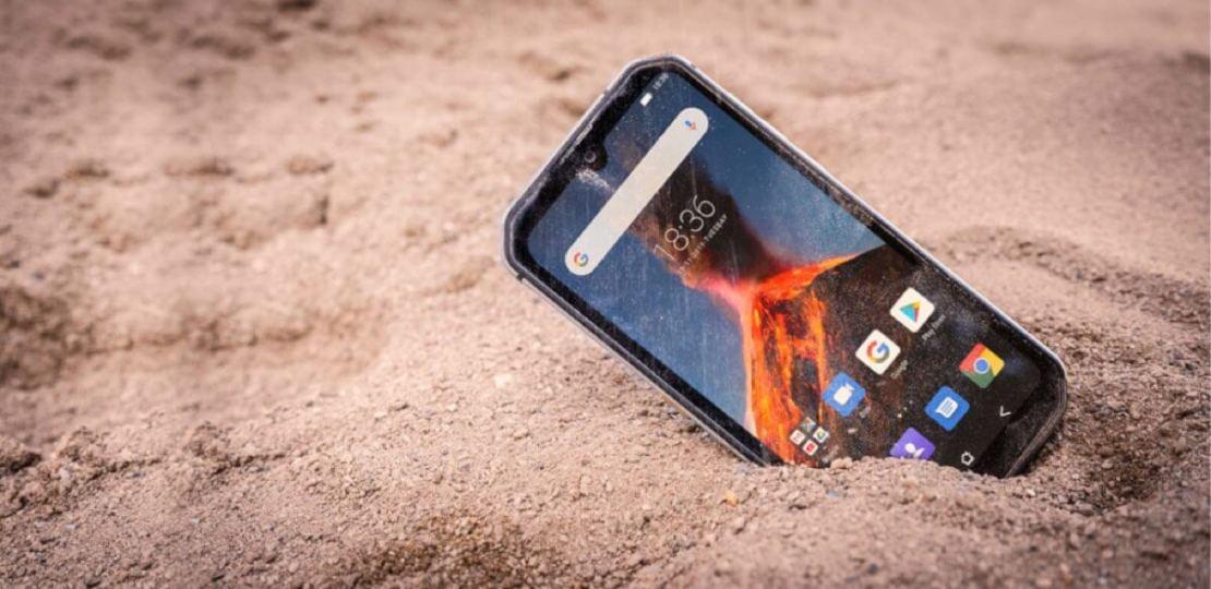 Smartfon BV9900 Pro na plaży