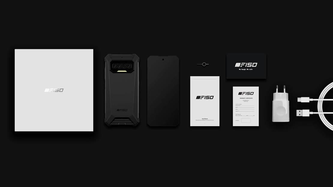 Zawartość pudełka smartfona iiiF150 R2022