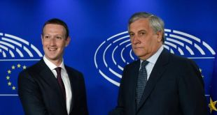 The President of the European Parliament, Antonio Tajani, welcomes the CEO of Facebook, Mark Zuckerbeg (John Thys / AFP)