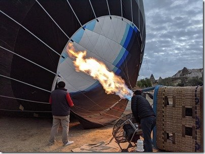 Hot Air Baloons Kapadokia filling our balloon