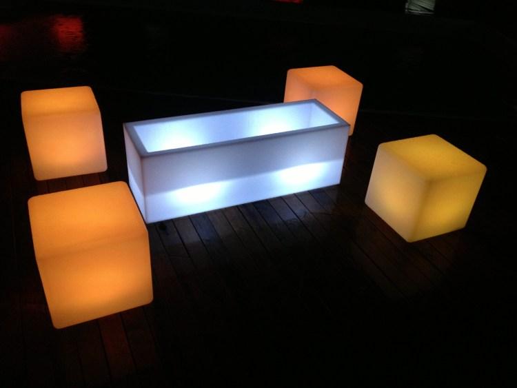 mini festa, Mini evento, decoração aniversário, móveis de LED para locação