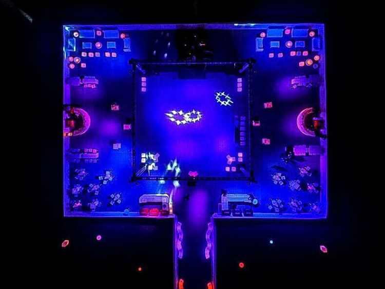 puff neon são paulo , painel de LED , telão de LED , aluguel de móveis para eventos em são paulo, bar e balcão para festas em são paulo , mobiliário para locação , Aluguel de mesas bistrô
