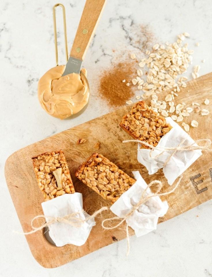 delicious easy apple pie granola bar