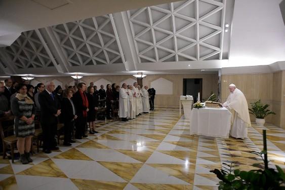 """Ser """"buen cristiano"""" es ser """"dócil"""" a la Palabra de Dios, dice el Papa"""