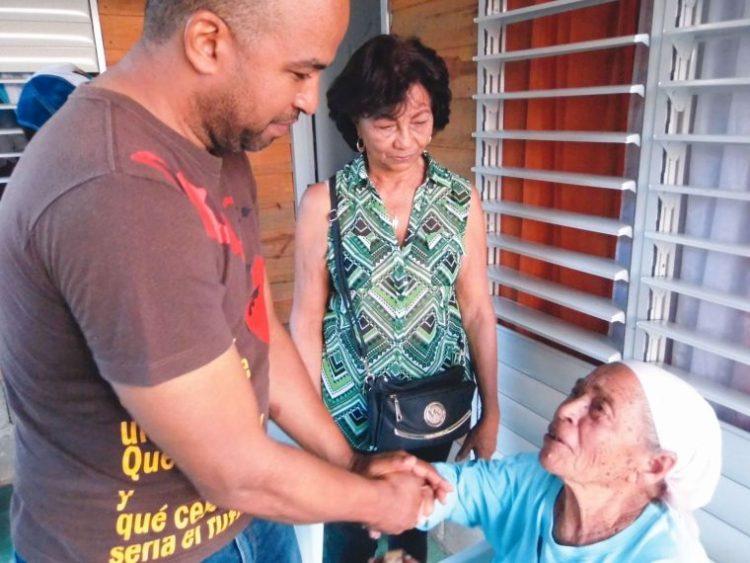 Víctor Bretón felicita a la mujer dominicana en su día