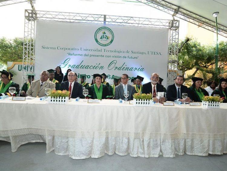 UTESA- Moca gradúa a 106 nuevos profesionales