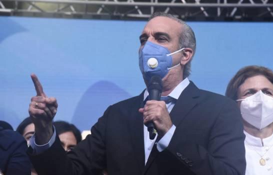 Luis Abinader suspende 36 funcionarios por no declarar bienes