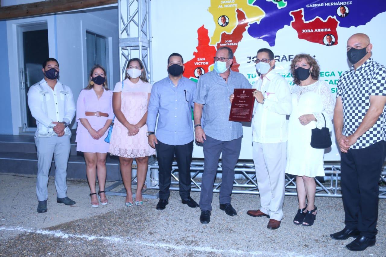 En Moca reconocen labor Dr. Vargas como senador