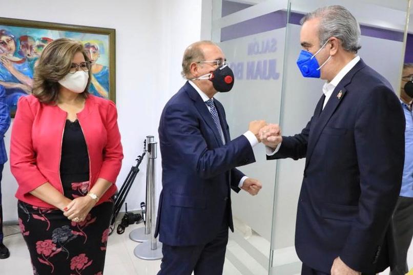 Luis Abinader concluye agenda de reuniones con el liderazgo político nacional