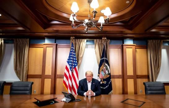 Trump informa saldrá del hospital este lunes en la tarde
