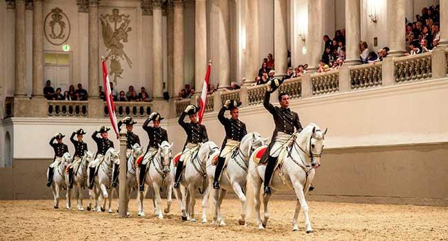 escuela de equitacion de viena
