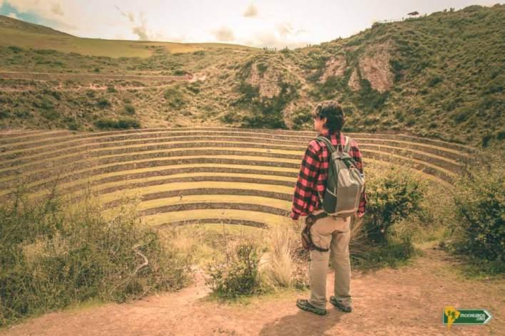 Vista de Moray con Nelson Mochilero, Cusco Perú - Mochileros.org