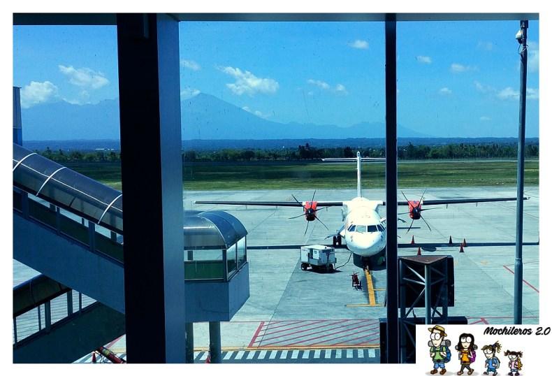 Avión de Wings Air en el aeropuerto de Lombok