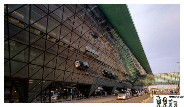 Cómo ir del Aeropuerto Cracovia al centro【2020 】