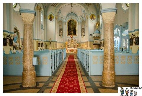 iglesia azul interior